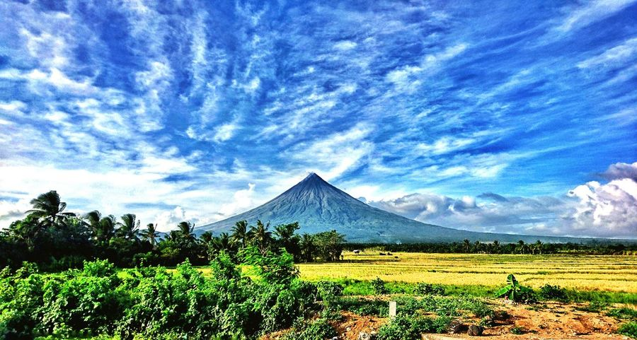 MT MAYON Landscape Mountain Beauty In Nature Nature Physical Geography Mountain Peak LegazpiCityAlbay Tabaco EyeEm Gallery Albay,bicol Sony Xperia Z1 Compact AndroidPhotography Eyeemlandscape Bikol Check This Out Eyeem Philippines Feel The Journey Eyeem Photography Sky MayonVolcano😍🌋 Mayon Volcano Philippines Mayonvolcano Wondersoftheworld Volcano Perfectcone