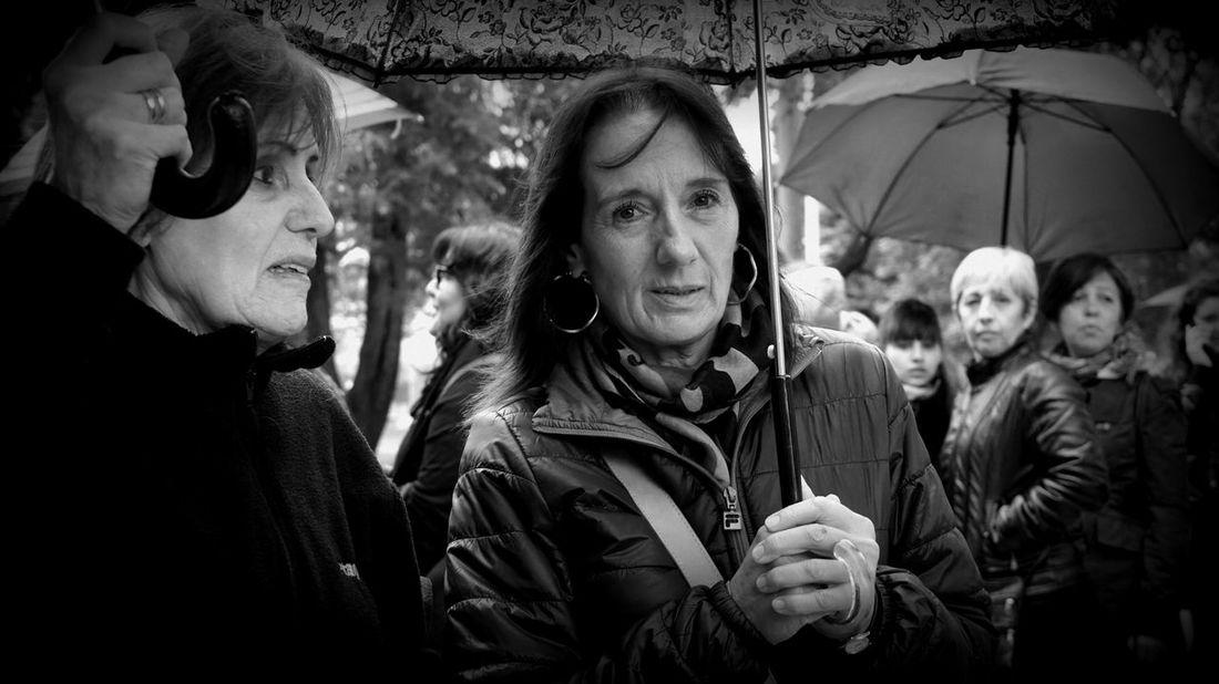 Rain Black And White Blackandwhite Black & White Outdoors Feminist Protest MiercolesNegro Woman