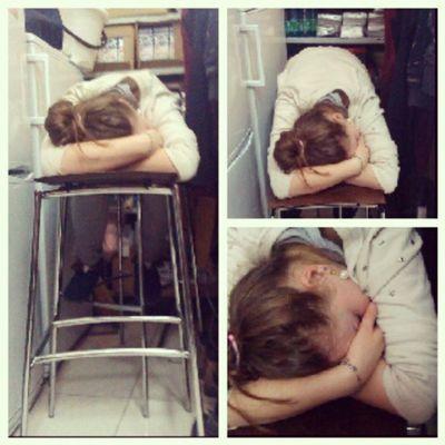 Бляха Полина - сверхчеловек просто! Ахаха Бля заснуть на работе под шум, да еще и в током положении суукаааа :):):):)