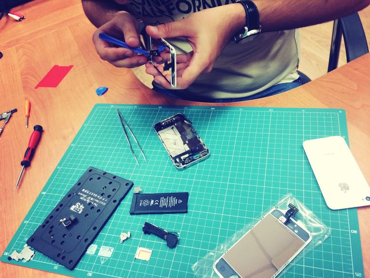 Айфрут сервис всегда рядом :) починим быстро и дешево?http://vk.com/ifruit.service айфон Working IPhone5 Enjoying Life