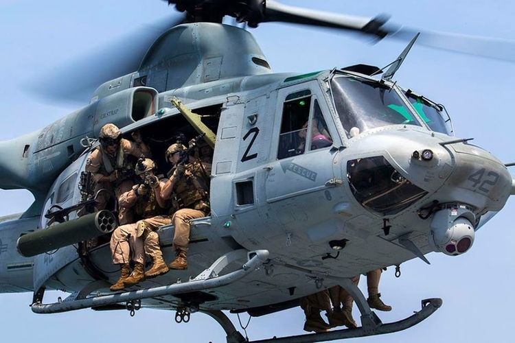 U.S Marines in a UH-1 Huey venom over Iraq USA Us Military USMC Bell UH-1D Venom Iraq War