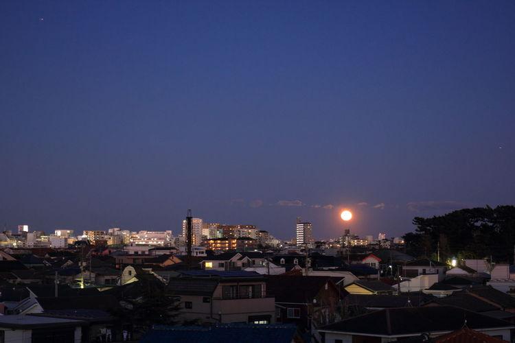 今夜は満月 Today is fullmoon. City Cityscape Fullmoon Fullmoonday Moon Moonlight Moonrise Sky