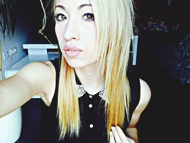 Eyes Blonde