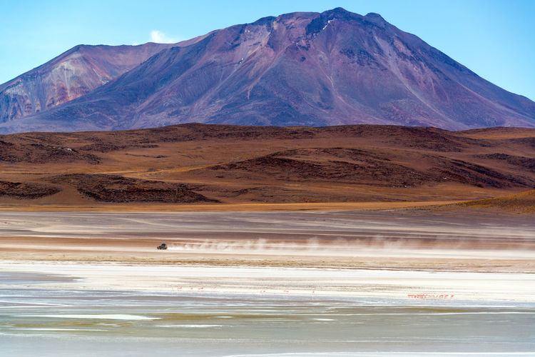 Scenic View Of Salar De Uyuni And Mountains
