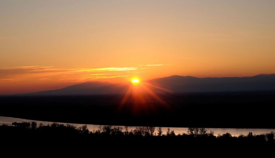 Sonnenuntergang in den Vogesen 2 Sunset Sun Orange Color Beauty In Nature Scenics Nature Tranquility Tranquil Scene Sky No People Landscape Outdoors Silhouette Mountain Day River Riverview Mountains Silouette & Sky Idyllic Scenery Sunrays Ladyphotographerofthemonth Beauty In Nature