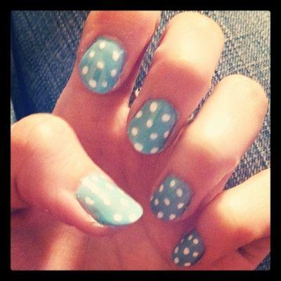 Nails Nailsofinstagram Blue White pokadots love cute