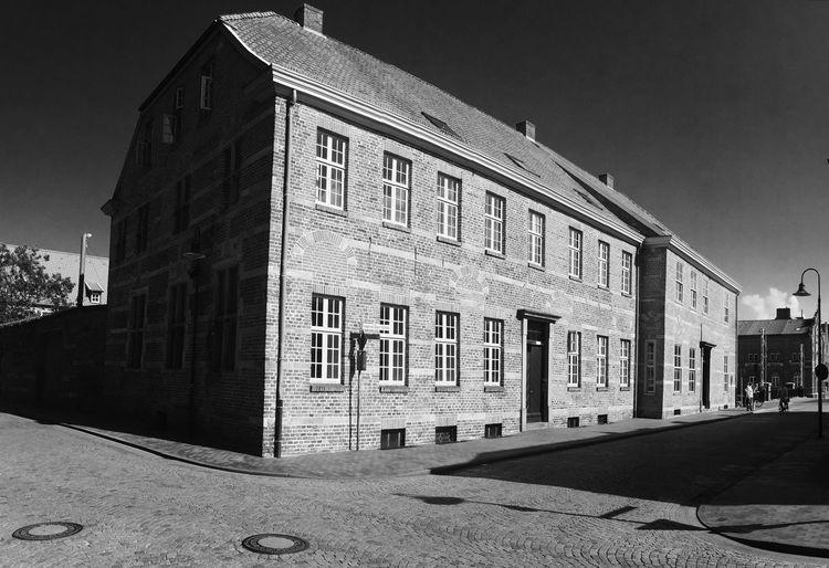 Emden Shadows &
