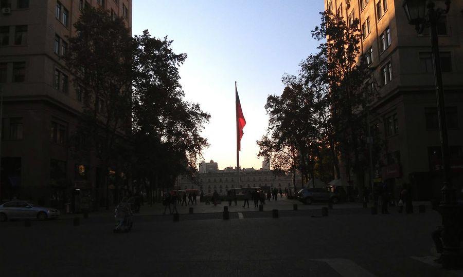 Chile Bandera Paseo Bulnes Santiago Santiago De Chile Latinoamerica Patria Palacio De La Moneda