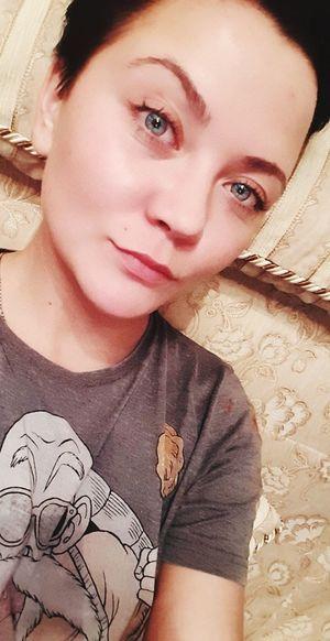 Portrait Beautiful Woman Young Women Looking At Camera Headshot Beauty Close-up Pink Lipstick  Nose Ring Eyeliner Thoughtful Eyelash Gray Eyes  Eyebrow Iris - Eye Lip Gloss Eye Make-up Eyeshadow Pretty Hazel Eyes  Thinking Eyeball Caucasian Mascara Pierced Pensive Eyelid
