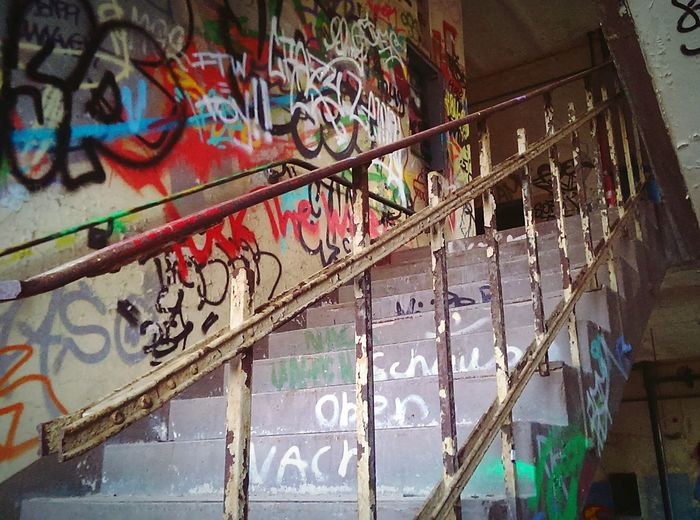 Graffiti ist Kunst 👌🎥 Graffiti Grafitti Art. Stairs Conti Hannover Hannover Special_shots Graffiti Art Favorite Places Graffitiporn