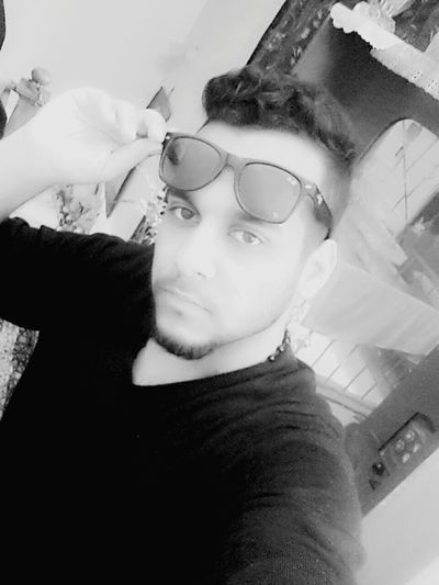 That's Me Samsung S3 Baghdad بغداد Mustafa_alani Mustafa Selfie ادري محلو بس شسوي