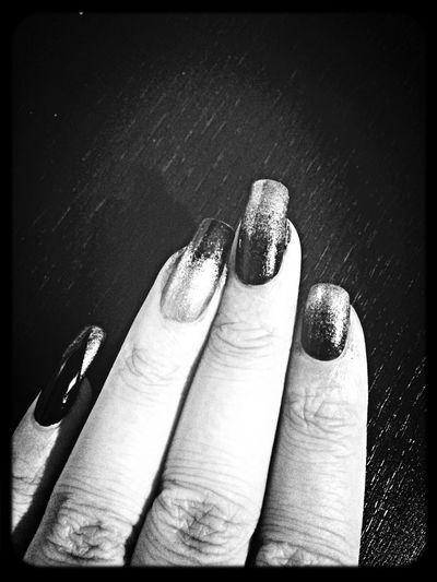 New Nails Black & White Gold Nail Art