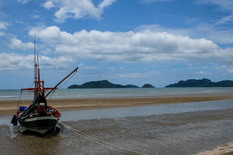 Fishery & Boat & Sky & Sea in Thai gulf Sea Beach Cloud - Sky Water Landscape Sky Outdoors Day Tranquility Blue Scenics No People Nature Mountain Horizon Over Water Thaistyle Local Transportation Tourism Asianculture Sea And Sky Pranburi Thailand🇹🇭 Sea Side Travel Destinations Seaview