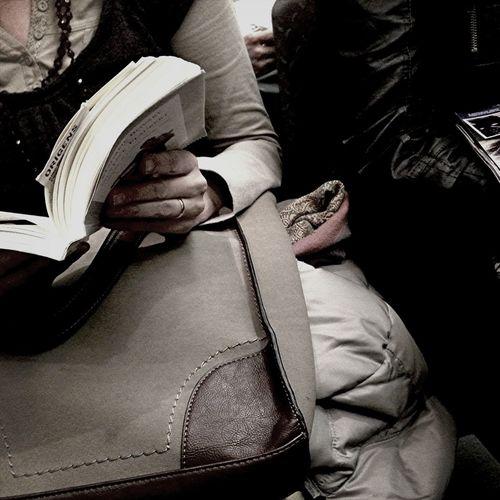 En el tren, cada día veo a gente distinta.