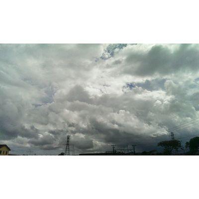 Spring storms in the Mother City Spring Cloudscapes Cloudporn Cloudalbum Ig_capetown Igerscapetown Cityofcapetownskies Cityofcapetown Mothercity Instawalker Instaexplorer Nature Springincapetown