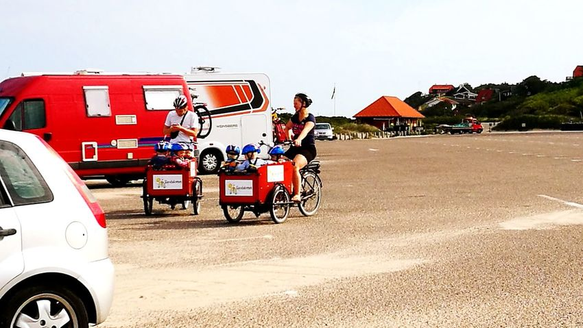 Transportation Outdoors People Day Childhood Bycicles Summer Summertime Foto Real People Lifestyles Beach