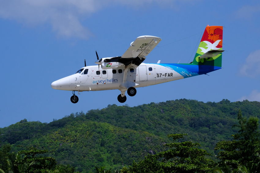 Air Seychelles Approach DHC-6 Holiday Holidays Indian Ocean Seychelles Transport Transportation Travel Twin Engine Aircraft Approaching Arrival Aviation Destination Domestic Finals Island Hopping Paradise Praslin Turbine Turboprop Twin Twin Otter