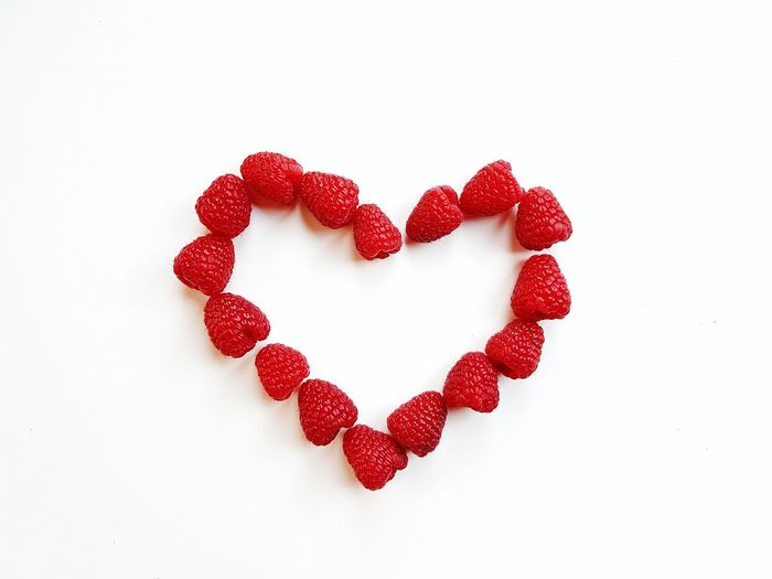 Picoftheday The Week on EyeEm Photooftheday Pictureoftheday Red Heart Heart Shape Raspberry Raspberries L White Background Candy Red Studio Shot Valentine's Day - Holiday Love Candy Heart Heart Shape Close-up Valentine Day - Holiday