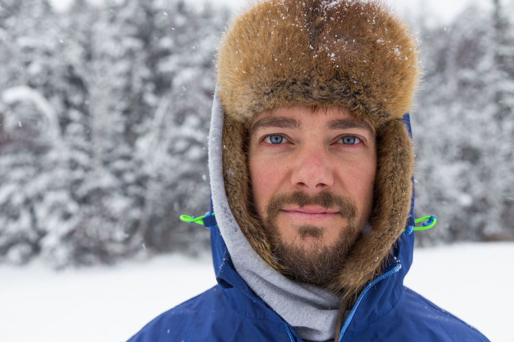 Allgäu BlueEyes Wintertime Beard Close-up Cold Temperature Day Front View Headshot Knit Hat Leisure Activity Lifestyles Looking At Camera Nature One Person Outdoors People Portrait Real People Snow Warm Clothing Weather Winter Young Adult Young Men
