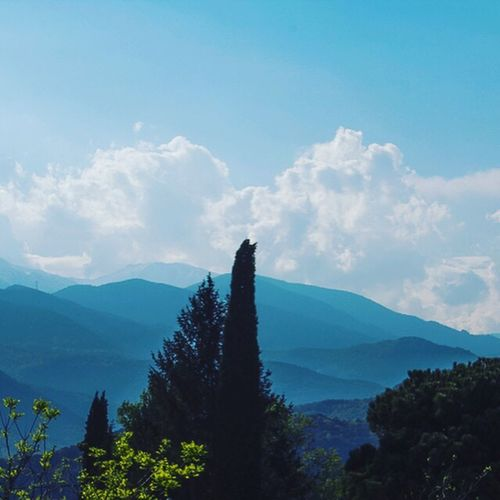 Une Vue ... Nature Beauty In Nature Mountain Tranquility Landscape Landscape #Nature #photography Canonphotography Taking Photos Hello World HelloEyeEm Hellofriends Montagne Pyrénéesorientales Sky Clouds And Sky Cloud Perpignan Catalunya Catalonia Francia Canon60Da Outdoors