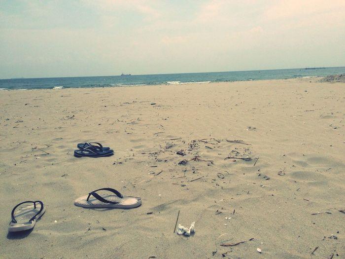 Head to the beach Sea Sunshine Relaxing Enjoying The Sun