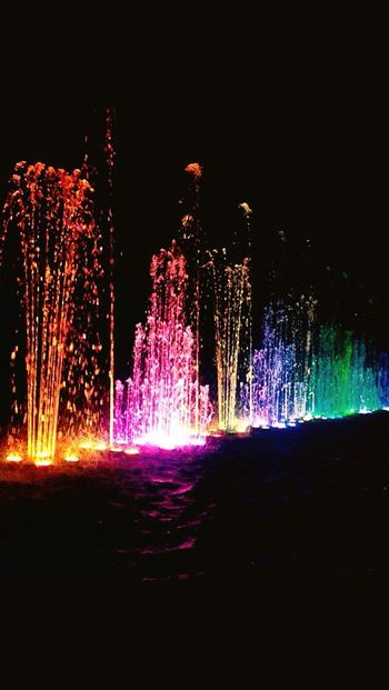 Palette Palette Colors Fountains Backlight Play Of Light Water Waterdrops Palettes Palette Of Colors Paletten Palette Colore Palette Town Fountain Fountain_collection Fountain Fun Fountain Show Fountainshow Fountain, Water, Spurt, Lights, Round, Circle, Fountain View Illuminated Illumination Illuminate Illuminati Illuminations