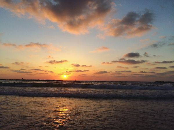 My last sunset in Tel Aviv such a gorgeous place. Being A Beach Bum Sunset Sunset_collection EyeEm Nature Lover Eye4photography  Sea And Sky Clouds And Sky Nature_collection Israel