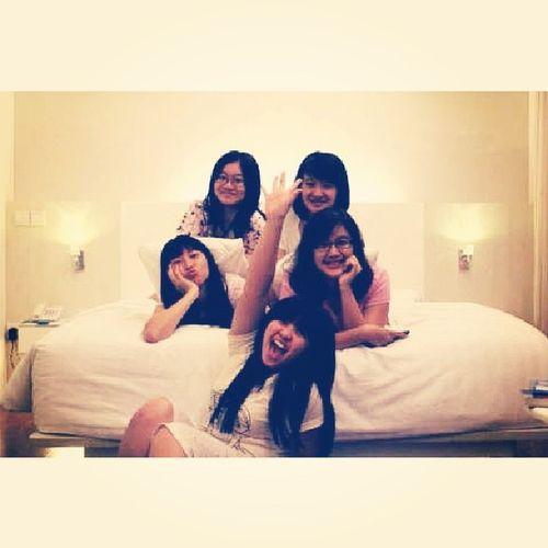 Bestiestime Junior  Highschool  pajamas party memory instameg Instadaily instapic instagood happy born day dearest cella.. ♥