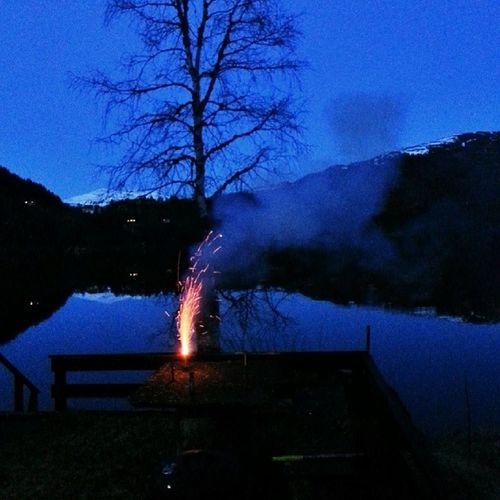 Fire at will! Yes,.....I will! Kvamskogen Eikedalsvannet Eikedalen Travel bestoftheday bestpicture bestphoto fireworks