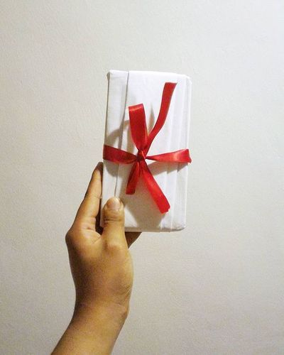 |12.29.15| Scarlet Ribbon 🎀🎁🎄 Christmasextended KrisKringle Photography Photooftheday VSCO Vscocam Vscophile Vscobeau Vscogood Vscogrid Like4like Follow4follow Tags4like
