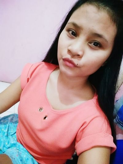 No make up now 🙅💄 Selfie ✌ Looking At Camera Casual Clothing Girls Teenager Close-up Indoors  Pink Color One Girl Only Single ♥ Moody Duckface Goodnight