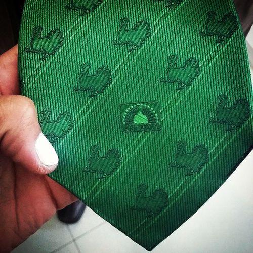 Esta es la corbata de pavos más cool del mundo DIJEEEEE