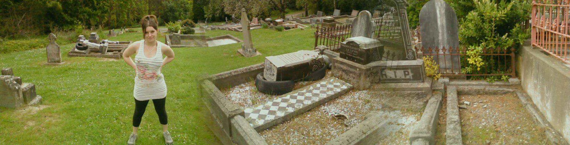 Crematorium Paying Respect. 😚