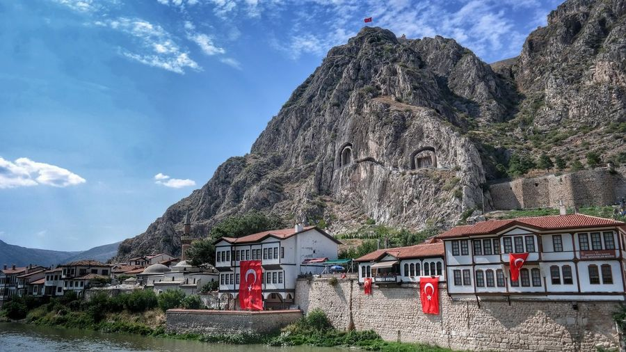 Check This Out Eyemphotography Architecture Amasya,turkey Fresh On Eyeem  Turkeyphotos Getting Inspired Popular First Eyeem Photo Fresh FirstEyeEmPic Turkishfollowers EyeEmBestEdits Amasya Amasya/Turkey Turkeyphotooftheday Amasyakalesi Amasyakralkaya Mezarlıkları Amasya Castle Amasyaevleri Taking Photos Eye For Photography Hello World Cheese!