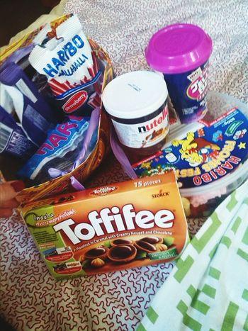 i fckn love christmas 😁😁🎄🍭🍬 Toffifee Nutella Haribo Jellybean Getting Fat