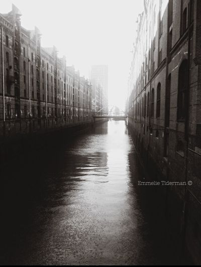 """This isn't """"old"""" pic from when my friend and I went to Germany together! Had a blast in beautiful Hamburg! Germany Went To A Consert Onerepublic Onerepublic Concert City Streetphotography Old Town Blackandwhite Travel Photography Hamburg"""