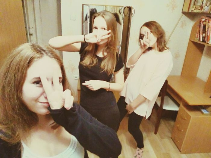 Beauty Women Bathroom People Adult Human Hair Adults Only Indoors  Young Adult Young Women Only Women One Woman Only Females Teenager One Person Girls девчонки моментысчастья Business Finance And Industry First Eyeem Photo Сульфат люблююю ❤❤❤ PortraitHairdresser Day