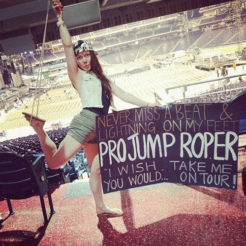 Hey Tayyylorrrrr...this girl's in the circus. Jumprope Circusperformer @taylorswift 1989worldtour Nationals park