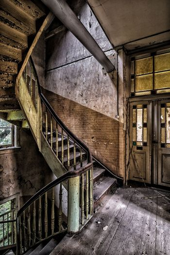 Staircase Steps And Staircases Steps Bad Condition Lostplace Abandoned Beauty Of Decay Lost Place Abandoned Places Lost And Found No People Forgotten Places  EyeEmNewHere Architecture Window Photography Urban Decay Urbex Vergessene Orte History EyeEm Best Shots Built Structure Indoors  Door Empty