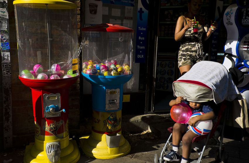 Toys vending machines in Portobello Road on 30th of June 2018 in London, United Kingdom. Toys vending machines are Additional profit for a business. (photo by Lorenzo Grifantini/In Pictures via Getty Images) Market Notting Hill Toys Vending Machines Business Container Portobello Store