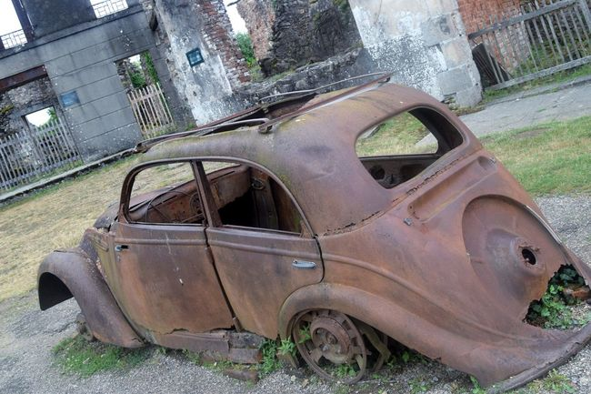 Picoftheday Photooftheday Streetphotography Exploring Newtalent The Week Of Eyeem Photography Outdoors No People Oradour Sur Glane History Day Old Ruin Destruction Village Old Town Travel Destinations Damaged Architecture Cityscape France Rusty Abandoned Car Close-up