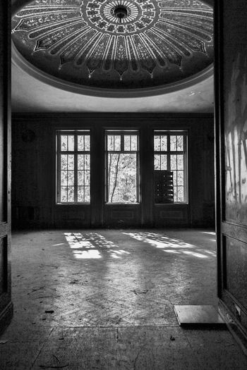 Krampnitz Window Indoors  Architecture No People Day Built Structure Building Abandoned Empty Old Glass - Material House Damaged Absence Door Kaserne Fenster History