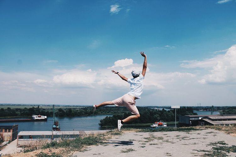 EyeEm Selects Flexibility Water Women Young Women Beach Sea Full Length Skill  Jumping Sports Clothing Ballet Tutu Grace Tiptoe Acrobat Dancer Gymnastics Acrobatic Activity Leotard Dance Studio Ballet Studio Ballet Dancer Breakdancing Ballet Shoe Energetic Standing On One Leg Handstand  Golf Swing EyeEmNewHere