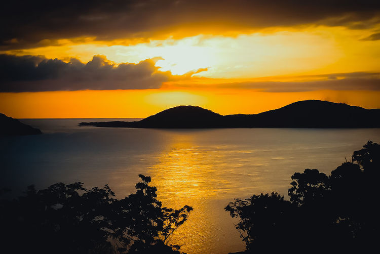 Thursday Island Australia & Travel My AustraliaSilhouetteSunset Landscape Reflection Dramatic Sky Horizon Over Water No People Portrait EyeEm Masterclass Beliebte Fotos Eyeem Photo EyeEmNewHere Hello World EyeEm Best Shots First Eyeem Photo The Photojournalist - 2017 EyeEm Awards The Street Photographer - 2017 EyeEm Awards Live For The Story The Great Outdoors - 2017 EyeEm Awards Place Of Heart The Portraitist - 2017 EyeEm Awards Out Of The Box Your Ticket To Europe The Week On EyeEm Pet Portraits Paint The Town Yellow Been There. Done That. Discover Berlin Connected By Travel Lost In The Landscape