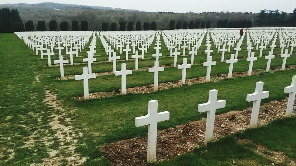 3/3 geometic cimetery of 1916 date of verdun ~ 1 million soldiers died here all nation inclusiveWorld War 1 Memorial Verdun France Geometric Praying For World Peace