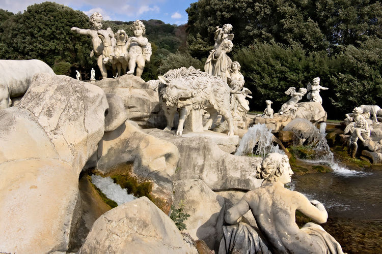Statue of statues on rocks