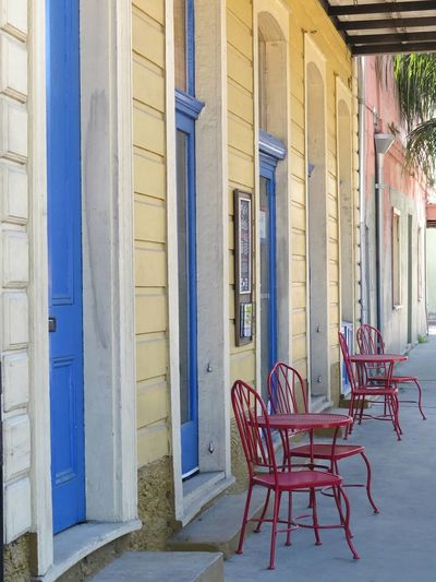 Pastel Power New Orleans City Life This Week On Eyeem EyeEmbestshots Louisiana Streetphotography Houses Tables And Chairs Muliticolor Visual Trends SS16 - Lifestyle x Travel Urban Lifestyle Adapted To The City