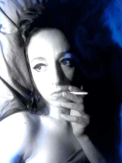 """Who said """"Don't smoke in bed""""?.. Bedtime Selfportrait Cigarette  J'aime Bien Me Faire Mon Cinéma"""