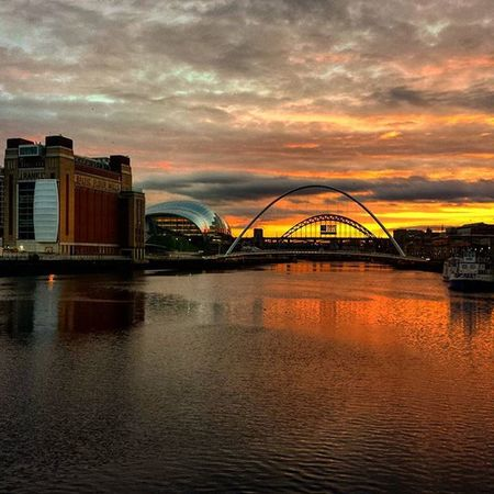Newcastle Gateshead Quayside Sun Sunset Tynebridge  Tyne Rivertyne