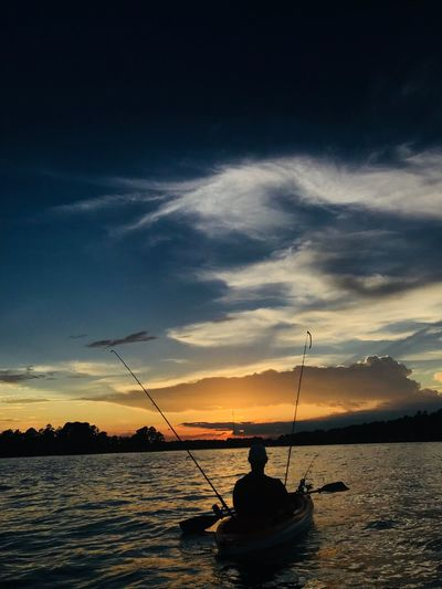 Lake Sinclair Water Sky Cloud - Sky Sunset Fishing Silhouette The Great Outdoors - 2018 EyeEm Awards The Traveler - 2018 EyeEm Awards The Great Outdoors - 2018 EyeEm Awards